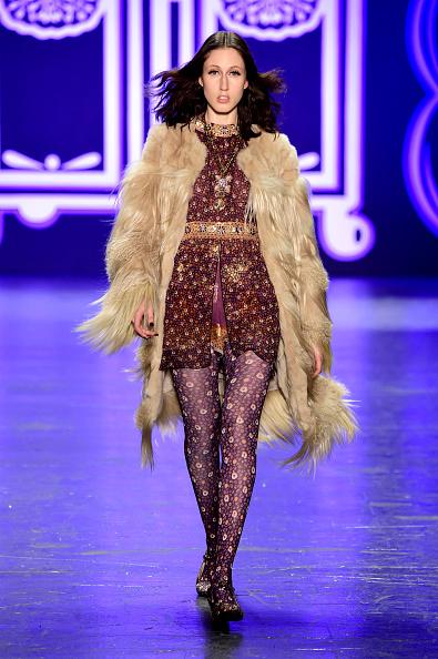 Cream Colored「Anna Sui - Runway - Fall 2016 New York Fashion Week: The Shows」:写真・画像(0)[壁紙.com]