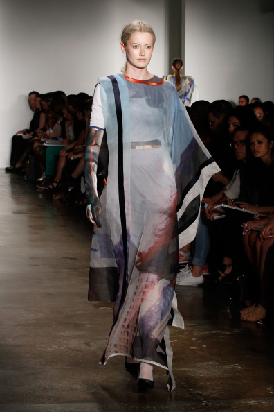Gray Dress「Parsons MFA - Presentation - MADE Fashion Week Spring 2015」:写真・画像(2)[壁紙.com]