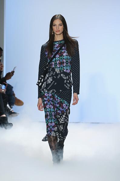 Neilson Barnard「Nicole Miller - Runway - Fall 2016 New York Fashion Week: The Shows」:写真・画像(9)[壁紙.com]