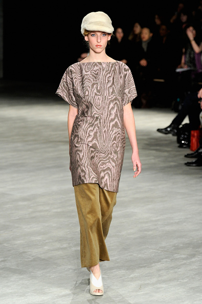 Dress Over Pants「Creatures Of The Wind - Runway - Mercedes-Benz Fashion Week Fall 2014」:写真・画像(6)[壁紙.com]