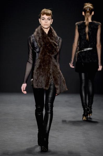Incidental People「Carmen Marc Valvo - Runway - Mercedes-Benz Fashion Week Fall 2014」:写真・画像(12)[壁紙.com]