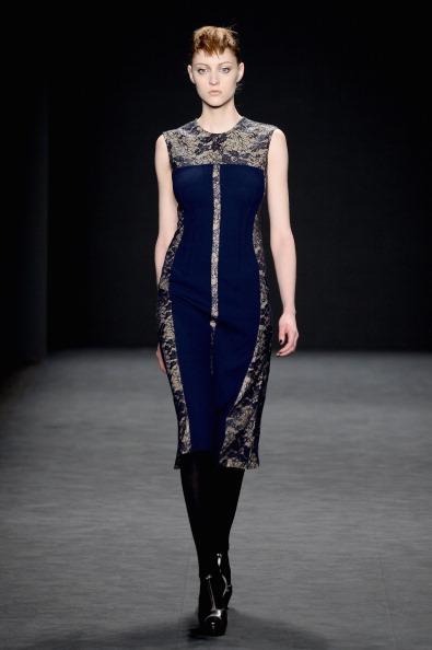 Round Neckline「Carmen Marc Valvo - Runway - Mercedes-Benz Fashion Week Fall 2014」:写真・画像(8)[壁紙.com]