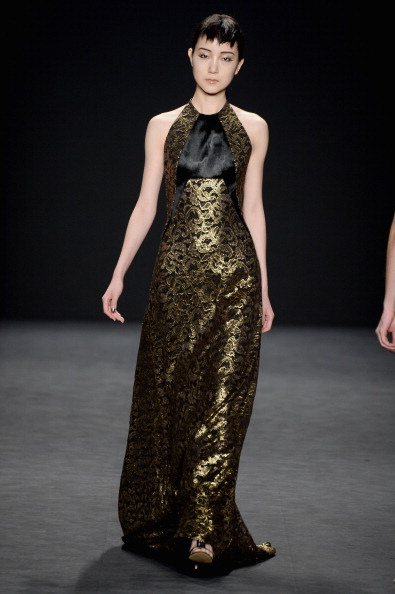 Halter Top「Carmen Marc Valvo - Runway - Mercedes-Benz Fashion Week Fall 2014」:写真・画像(3)[壁紙.com]