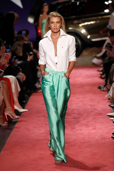 White Shirt「Brandon Maxwell - Runway - September 2018 - New York Fashion Week」:写真・画像(17)[壁紙.com]
