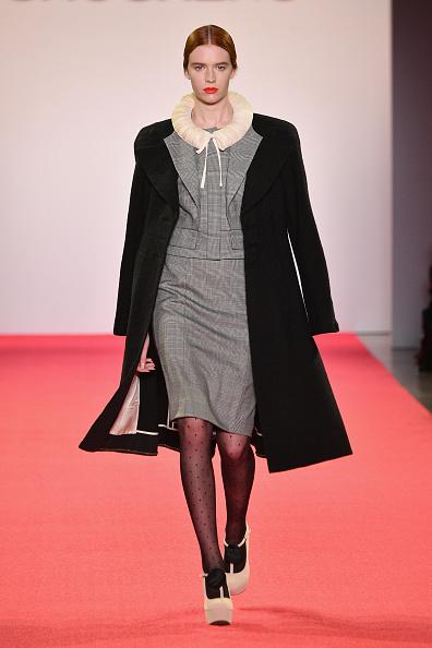 Gray Jacket「Chocheng - Runway - February 2019 - New York Fashion Week: The Shows」:写真・画像(15)[壁紙.com]