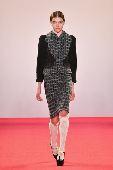 Gray Jacket「Chocheng - Runway - February 2019 - New York Fashion Week: The Shows」:写真・画像(10)[壁紙.com]