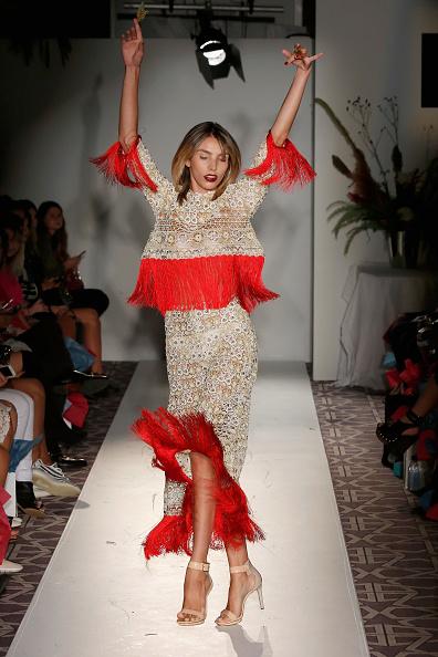Alternative Pose「Anna Francesca - Fashion Gallery NYFW - Runway」:写真・画像(13)[壁紙.com]
