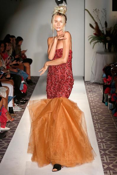 Alternative Pose「Anna Francesca - Fashion Gallery NYFW - Runway」:写真・画像(11)[壁紙.com]