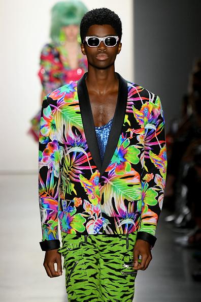 Tropical Pattern「Jeremy Scott - Runway - September 2019 - New York Fashion Week: The Shows」:写真・画像(15)[壁紙.com]
