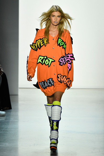ニューヨークファッションウィーク「Jeremy Scott - Runway - September 2018 - New York Fashion Week: The Shows」:写真・画像(15)[壁紙.com]