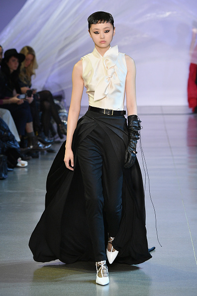 Black Glove「Phuong My - Runway - February 2019 - New York Fashion Week: The Shows」:写真・画像(5)[壁紙.com]
