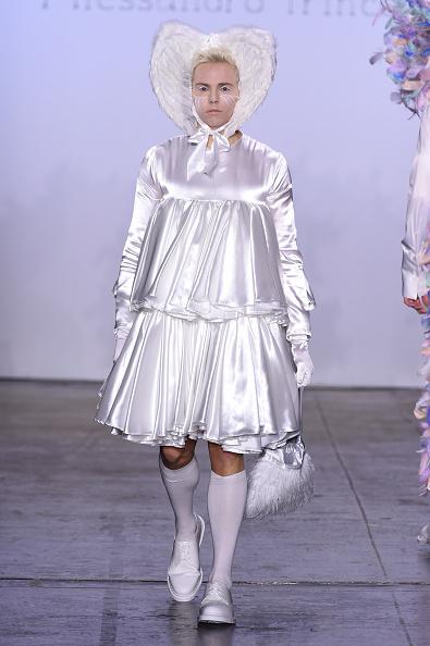 Flounced Dress「Alessandro Trincone - Runway - February 2019 - New York Fashion Week: The Shows」:写真・画像(3)[壁紙.com]