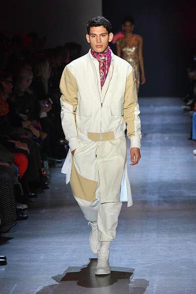 White Jacket「Prabal Gurung - Runway - February 2019 - New York Fashion Week: The Shows」:写真・画像(11)[壁紙.com]