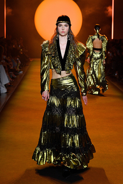 Catwalk - Stage「Raisavanessa - Runway - February 2020 - New York Fashion Week: The Shows」:写真・画像(3)[壁紙.com]