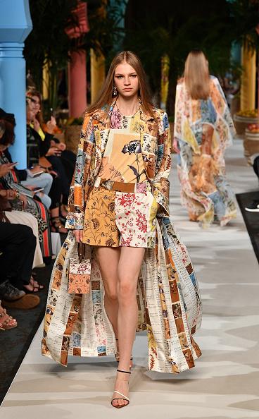 Beige「Oscar de la Renta - Runway - September 2019 - New York Fashion Week」:写真・画像(9)[壁紙.com]