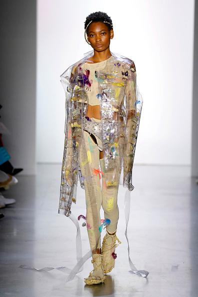 Round Neckline「Parsons MFA - Runway - September 2019 - New York Fashion Week: The Shows」:写真・画像(14)[壁紙.com]
