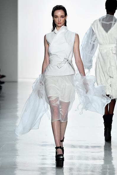 White Jacket「Yajun - Runway - September 2017 - New York Fashion Week: The Shows」:写真・画像(14)[壁紙.com]