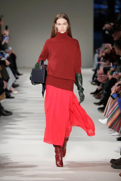 ランウェイ「Victoria Beckham - Runway - February 2017 - New York Fashion Week」:写真・画像(4)[壁紙.com]