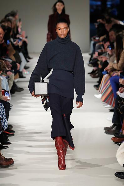 Mini Bag「Victoria Beckham - Runway - February 2017 - New York Fashion Week」:写真・画像(18)[壁紙.com]