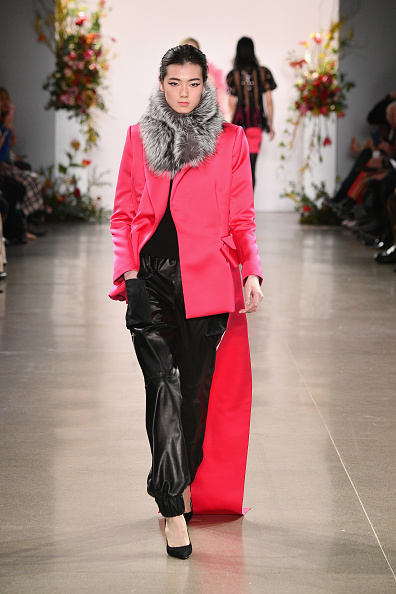 Red Blazer「Bibhu Mohapatra - Runway - February 2019 - New York Fashion Week: The Shows」:写真・画像(5)[壁紙.com]