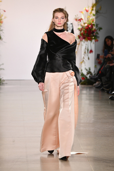 Nude Colored Pants「Bibhu Mohapatra - Runway - February 2019 - New York Fashion Week: The Shows」:写真・画像(5)[壁紙.com]