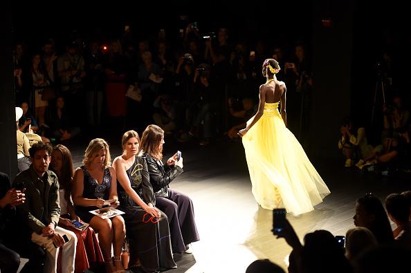 ニューヨークファッションウィーク「TRESemme at Naeem Khan NYFW SS18 - Runway」:写真・画像(14)[壁紙.com]