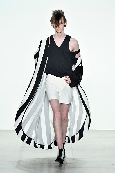 White Shorts「Hakan Akkaya - Runway - September 2017 - New York Fashion Week: The Shows」:写真・画像(15)[壁紙.com]