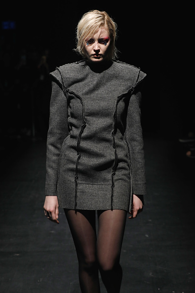 Tristan Fewings「Mercedes-Benz presents Atelier Kikala - Runway - Mercedes Benz Fashion Week Istanbul - March 2018」:写真・画像(17)[壁紙.com]