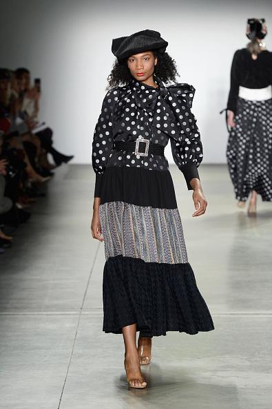 Midi Skirt「Global Fashion Collective II - Runway - February 2019 - New York Fashion Week: The Shows」:写真・画像(2)[壁紙.com]