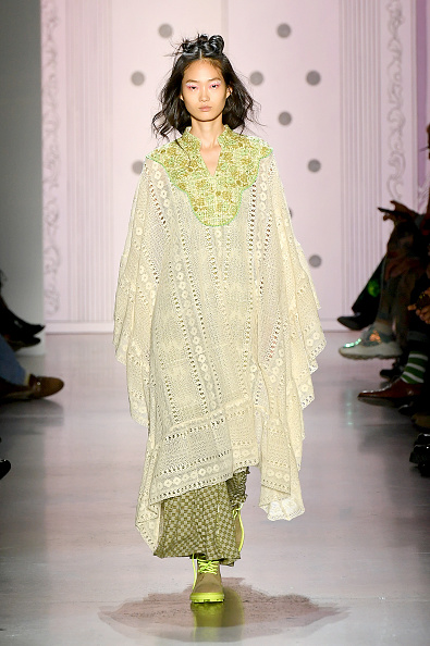 Green Color「Anna Sui - Runway - September 2019 - New York Fashion Week: The Shows」:写真・画像(18)[壁紙.com]