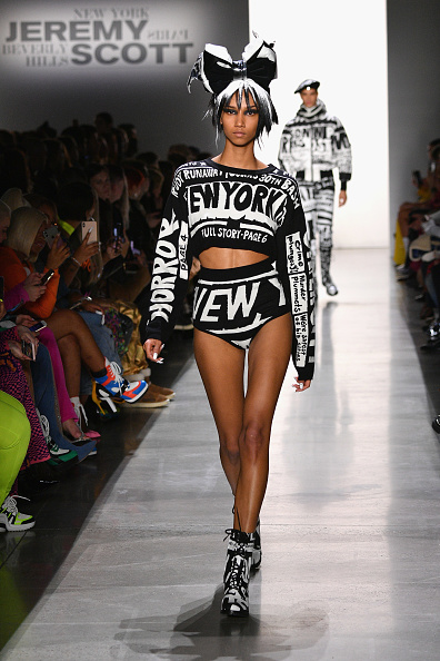 Spring Studios - New York「Jeremy Scott - Runway - February 2019 - New York Fashion Week: The Shows」:写真・画像(6)[壁紙.com]