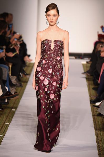 ミッドタウンマンハッタン「Dennis Basso - Runway - February 2019 - New York Fashion Week」:写真・画像(13)[壁紙.com]