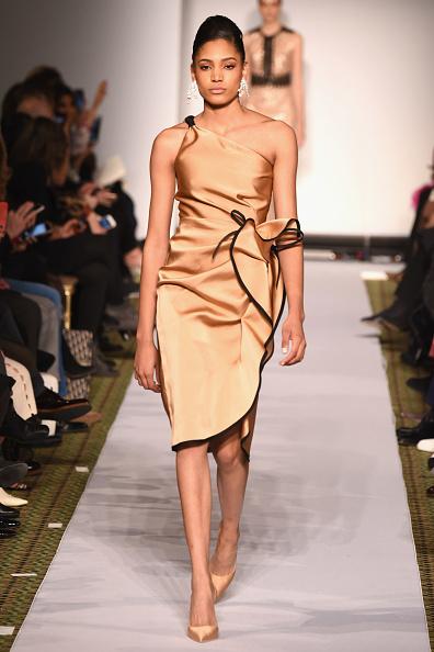 ミッドタウンマンハッタン「Dennis Basso - Runway - February 2019 - New York Fashion Week」:写真・画像(4)[壁紙.com]