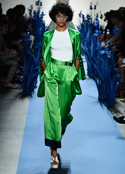 Satin Pants「Adam Selman - Runway - September 2017 - New York Fashion Week Presented By MADE」:写真・画像(3)[壁紙.com]