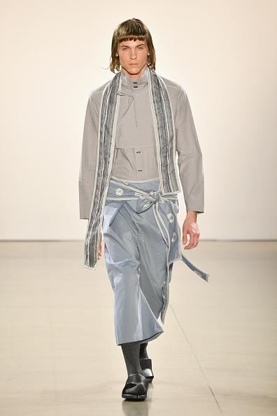 Gray Shirt「Asia Fashion Collection - Runway - February 2019 - New York Fashion Week: The Shows」:写真・画像(19)[壁紙.com]