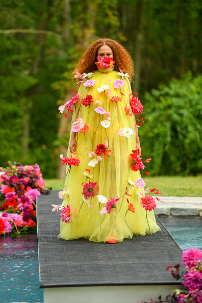 Fashion show「Christian Siriano Collection 37 2020 Fashion Show - Runway」:写真・画像(11)[壁紙.com]
