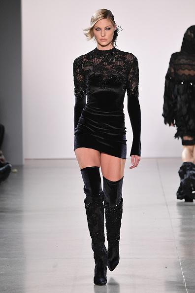 Little Black Dress「Afffair - Runway - February 2019 - New York Fashion Week: The Shows」:写真・画像(17)[壁紙.com]
