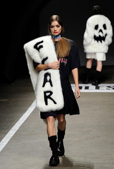 黒「VFiles - Runway - Mercedes-Benz Fashion Week Fall 2014」:写真・画像(6)[壁紙.com]