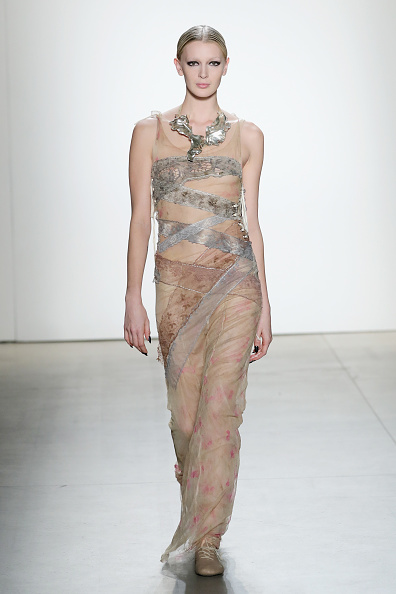 Nude Colored Dress「Mimi Prober - Runway - February 2017 - New York Fashion Week: The Shows」:写真・画像(14)[壁紙.com]