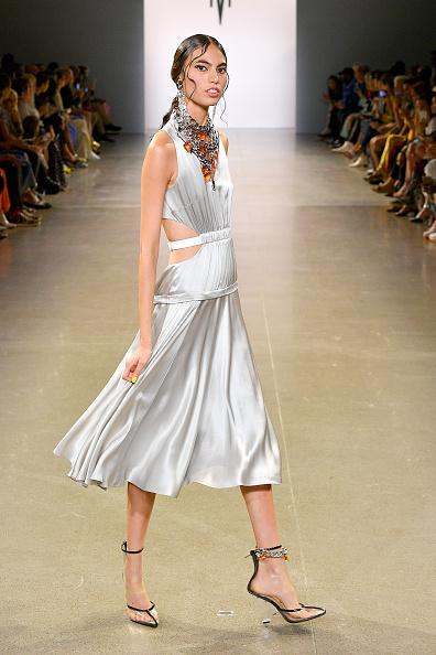 Silk「Victoria Hayes Spring/Summer 2020 - Runway」:写真・画像(15)[壁紙.com]