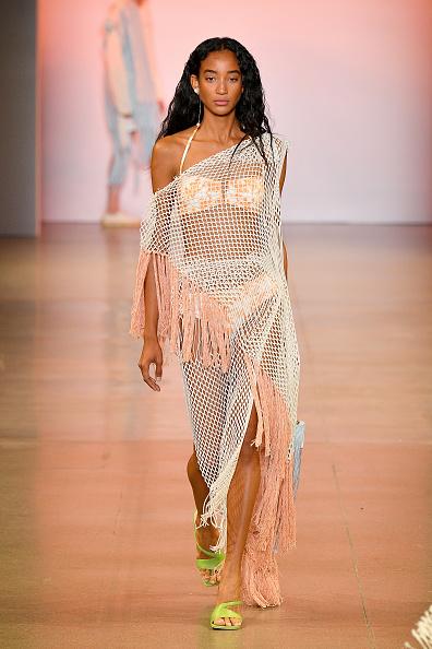 Off Shoulder「China Day: Xu Zhi - Runway - September 2019 - New York Fashion Week: The Shows」:写真・画像(8)[壁紙.com]