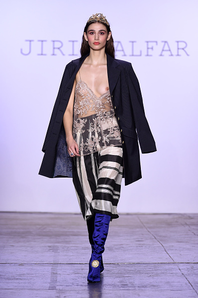 Nude Colored「Jiri Kalfar - Runway - February 2019 - New York Fashion Week: The Shows」:写真・画像(14)[壁紙.com]