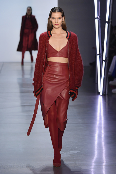 Sweater「Sally LaPointe - Runway - February 2019 - New York Fashion Week: The Shows」:写真・画像(9)[壁紙.com]