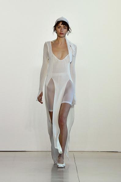 White Shorts「Bevza - Runway - September 2018 - New York Fashion Week: The Shows」:写真・画像(5)[壁紙.com]