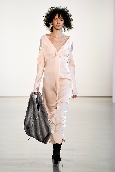 Pale Pink「Bevza - Runway - February 2018 - New York Fashion Week: The Shows」:写真・画像(16)[壁紙.com]