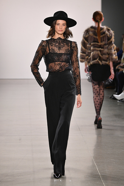 Lace - Textile「Burnett - Runway - February 2019 - New York Fashion Week: The Shows」:写真・画像(16)[壁紙.com]
