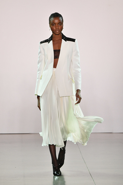 Skirt「Burnett - Runway - February 2019 - New York Fashion Week: The Shows」:写真・画像(2)[壁紙.com]