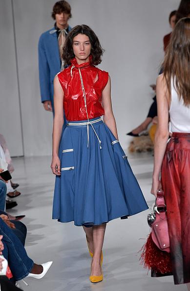 Medium-length Hair「Calvin Klein Collection - Runway - September 2017 - New York Fashion Week」:写真・画像(2)[壁紙.com]