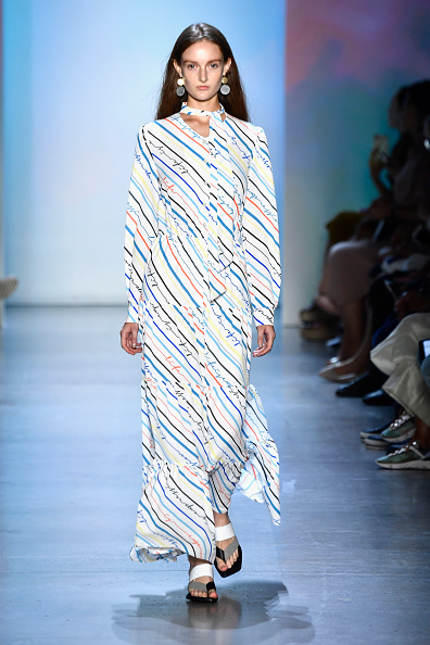 Striped「Concept Korea - Runway - September 2018 - New York Fashion Week: The Shows」:写真・画像(11)[壁紙.com]