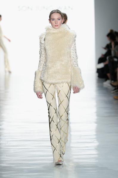 Diamond Pattern「Son Jung Wan - Runway - February 2017 - New York Fashion Week: The Shows」:写真・画像(5)[壁紙.com]